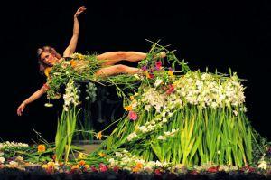 Preparatio mortis de Jan Fabre Vivante métaphore d'une métamorphose de la mort