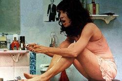 Bernadette Lafont dans Une belle fille comme moi.