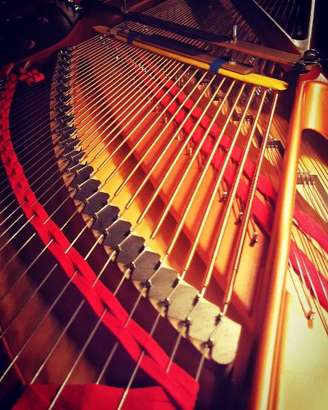 1.Piano