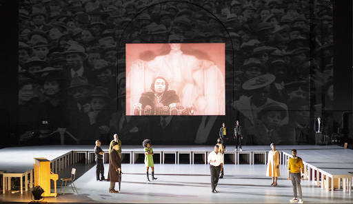 The Time of Our SingingUn opéra, deux visions